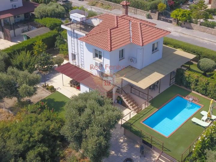 Кирения - Лапта £ 235,000 Отремонтированная вторичная вилла с 3 спальнями + бассейн 3 х 7 м + вода и теплоизоляция + система ворот + система видеонаблюдения + титулы на имя владельца, НДС оплачен.