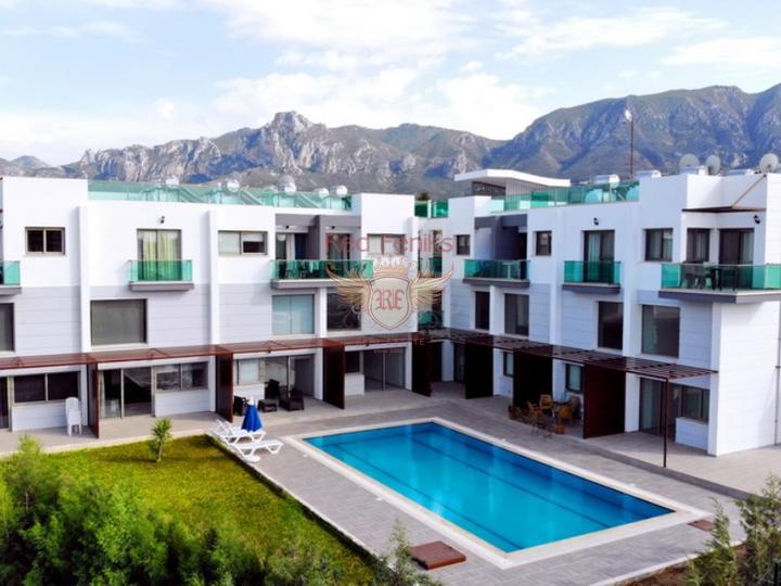 От £ 74 000 Апартаменты с 2 спальнями + на стороне моря + парковочная зона + центральное расположение + коммунальный бассейн + на стадии строительства + стиль Модерн Прекрасный новый проект на стадии строительства в Караоланолу на сторне моря.