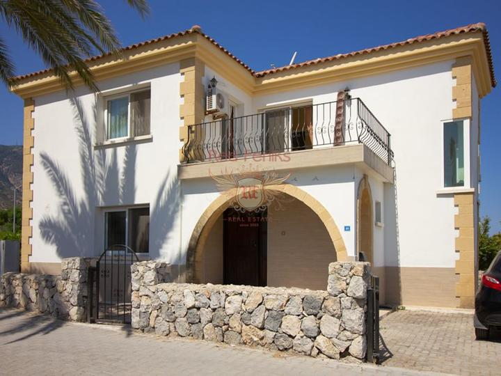 £ 144,950 Вилла в Алсанджаке с 3 спальнями + отличное расположение + общий бассейн + мебель + Титул на имя владельца НДС оплачен.
