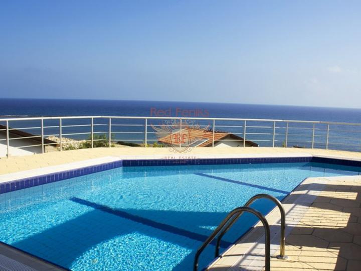 £ 225,000 Вилла с 4 спальнями + бассейн + камин + барбекю + потрясающий вид на море.
