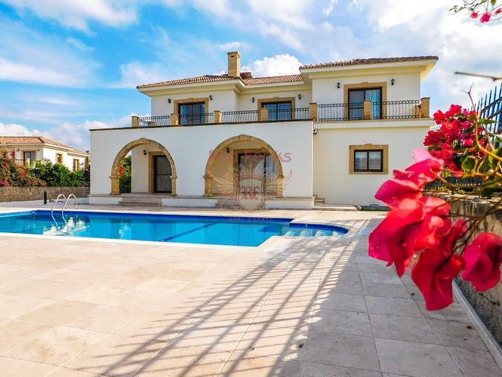 £ 700,000 Роскошная вилла с бассейном с доступом к пляжу.
