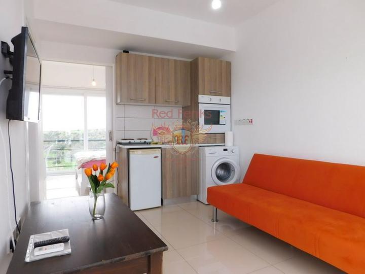 Односпальные апартаменты со всей мебелью и бытовой техникой в курортном комплексе, Квартира в Кирения Северный Кипр