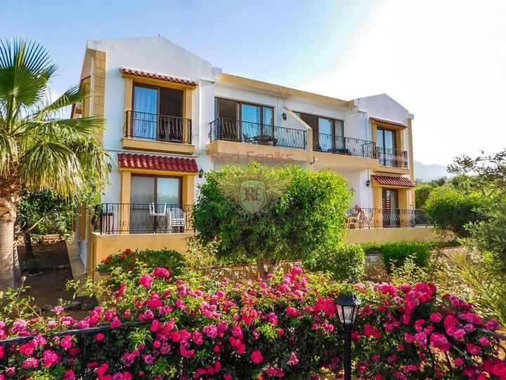 Двухспальный пентхаус с мебелью и техникой в комплексе с бассейном, Квартира в Кирения Северный Кипр