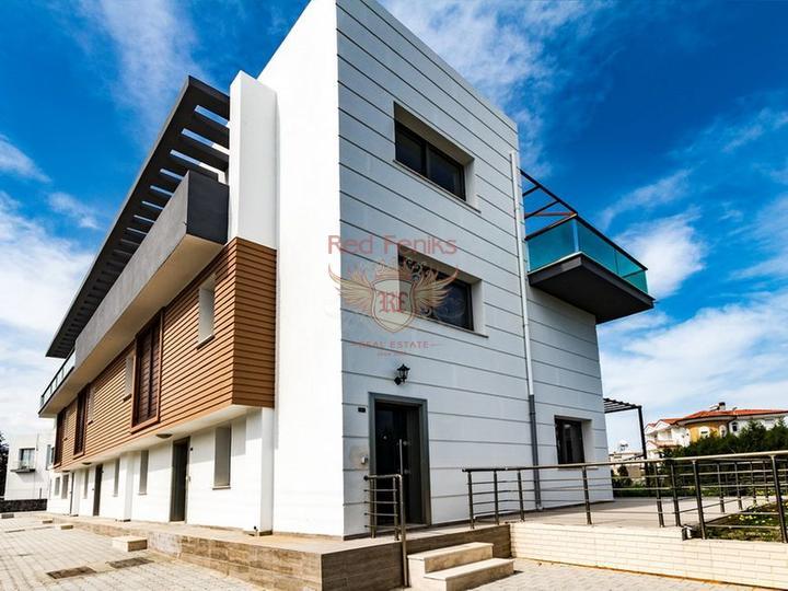 Бунгало с 3 спальнями + бассейн 10м x 5м + центральное отопление, Дом в Кирения Северный Кипр