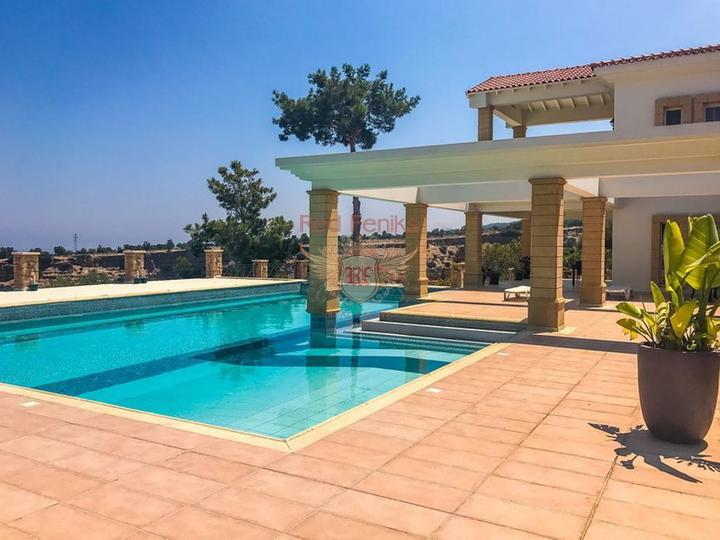 Роскошная вилла с 4 спальнями + роскошное бунгало с 2 спальнями, Вилла в Кирения Северный Кипр