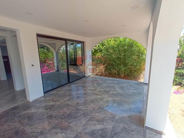 Новая вилла с 4 спальнями + потрясающий вид на горы, Вилла в Кирения Северный Кипр