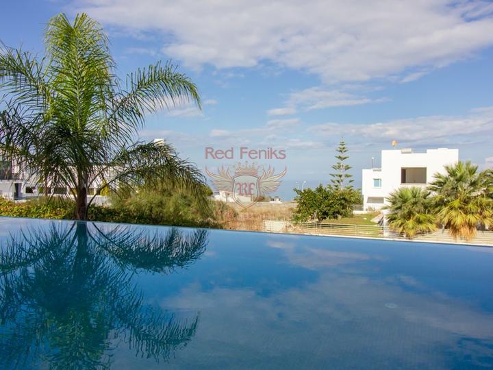 Современные виллы с 4 спальнями + план оплаты + вид на море и горы, купить дом в Кирения