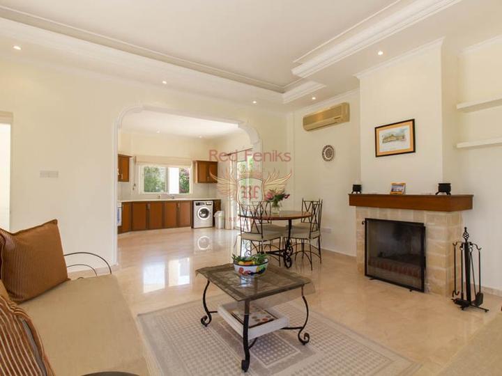 Таунхаус с 3 спальнями + общий бассейн + круглосуточное видеонаблюдение, купить дом в Кирения