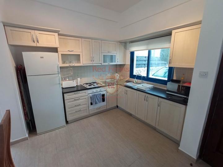Апартаменты с двумя спальнями + терраса на крыше, купить квартиру в Кирения