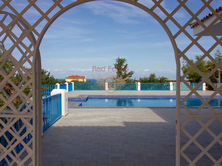 Бунгало с 2 спальнями + полностью меблирована + в пешей доступности до моря, купить виллу в Фамагуста