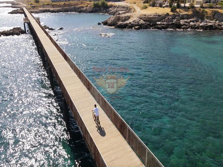 Особняк с 3 спальнями + полностью новый + 3 этажа + большая терраса на крыше, Дом в Кирения Северный Кипр