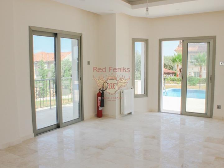 Роскошная вилла с 3 спальнями + пейзажный бассейн + центральное отопление, Дом в Кирения Северный Кипр