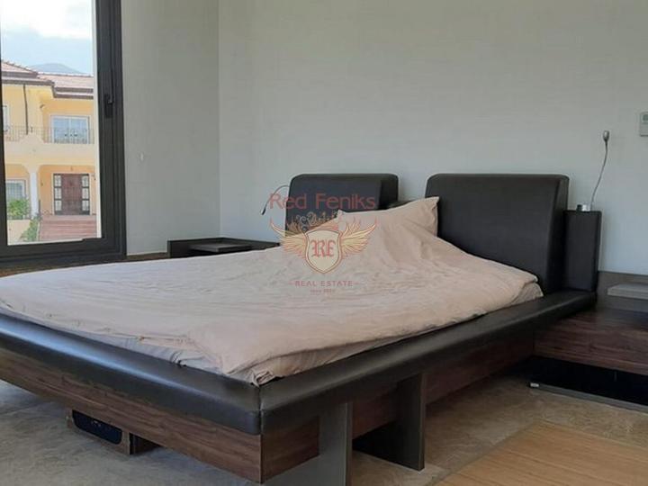 Виллы с 4 спальнями + современный дизайн + пейзажный бассейн + гараж + встроенный кондиционер + лифт, Вилла в Кирения Северный Кипр