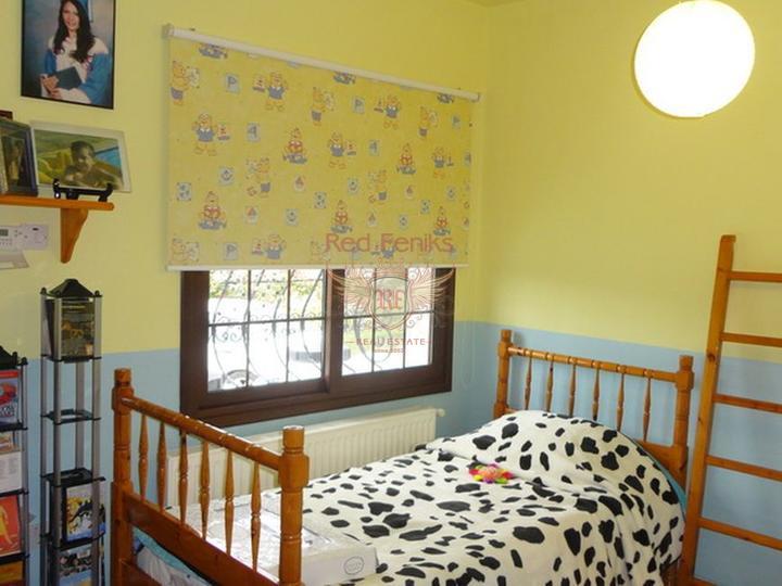 Роскошная вилла + центральное отопление + кондиционернке с 5 спал, купить дом в Кирения