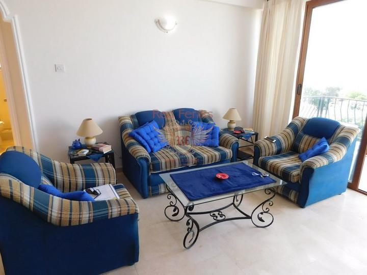 Двухспальный пентхаус с мебелью и техникой в комплексе с бассейном, купить квартиру в Кирения