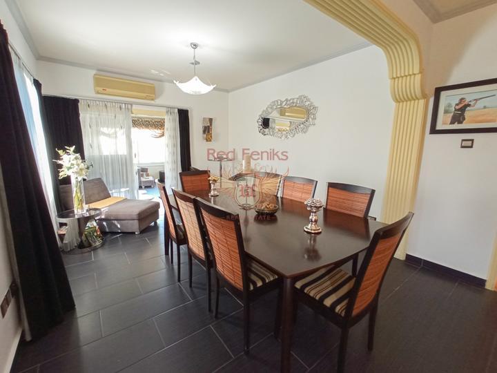 Бунгало с 3 спальнями + гостевой дом с 1 спальней + бассейн, купить виллу в Кирения