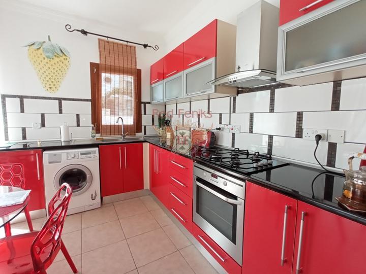 Вилла с тремя спальнями + бассейн 8м х 4м + кондиционеры, купить дом в Кирения