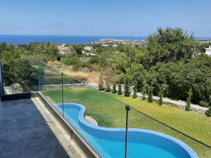 Виллы с 4 спальнями + современный дизайн + пейзажный бассейн + гараж + встроенный кондиционер + лифт, Дом в Кирения Северный Кипр