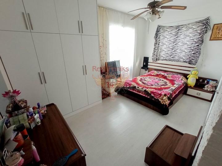 Трехспальная вилла с бассейном, колодцем и прекрасным садом, Вилла в Кирения Северный Кипр