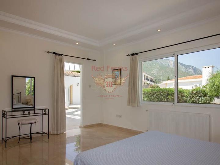 Таунхаус с 3 спальнями + общий бассейн + круглосуточное видеонаблюдение, Вилла в Кирения Северный Кипр