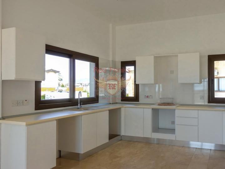 Вилла с 4 спальнями + бассейн + камин + барбекю + потрясающий вид на море, Дом в Кирения Северный Кипр