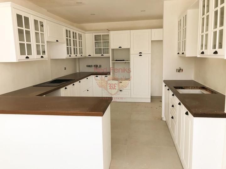 Роскошная вилла с 4 спальнями + новый ремонт + бассейн + вид на море и горы, купить виллу в Кирения