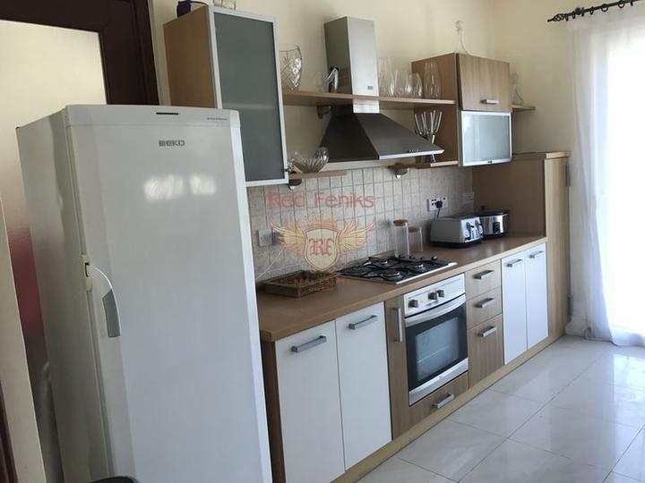 Вилла с 3 спальнями + меблированная + бассейн + пешая доступность до пляжа, купить виллу в Кирения