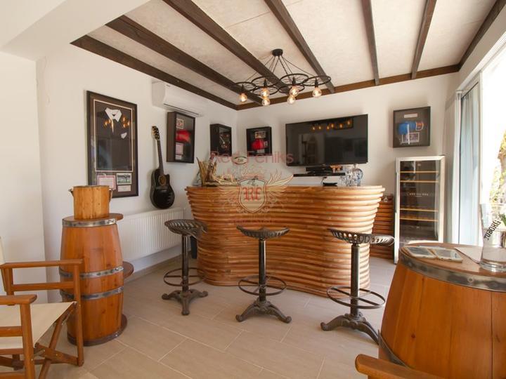 Вилла с 3 спальнями + бассейн 10 м x 5 м + частично меблированная, купить виллу в Кирения
