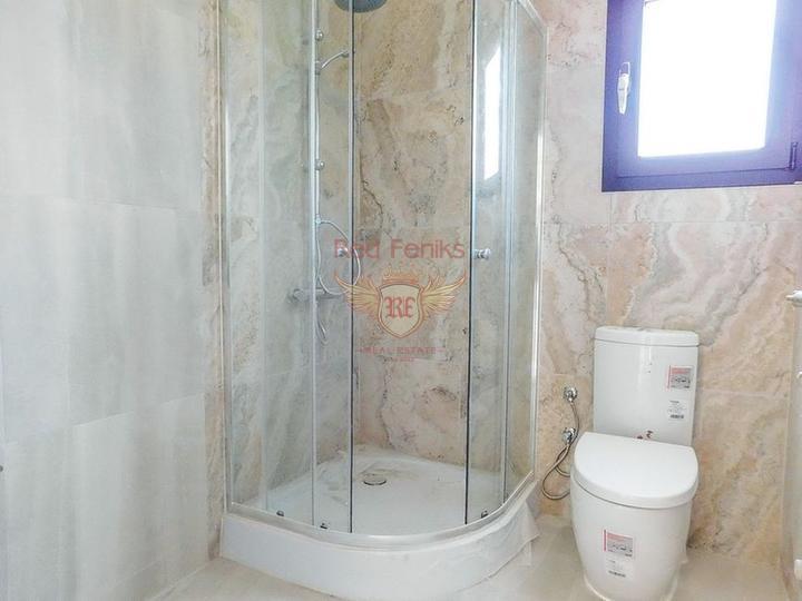Таунхаус с 3 спальнями + общий бассейн + круглосуточное видеонаблюдение, купить виллу в Кирения