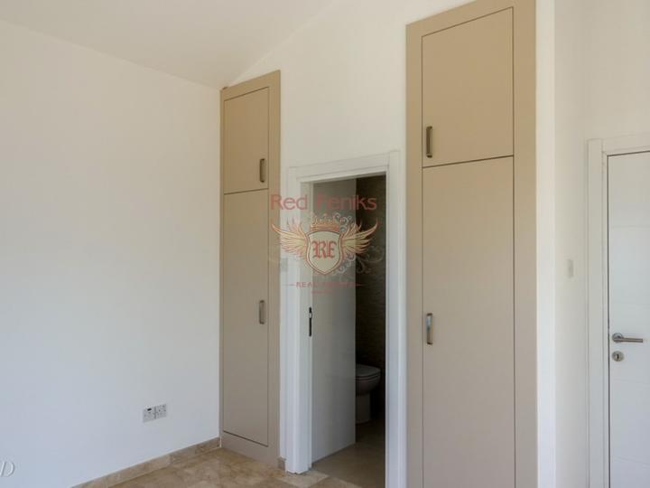 Вилла с 4 спальнями + бассейн + камин + барбекю + потрясающий вид на море, купить дом в Кирения