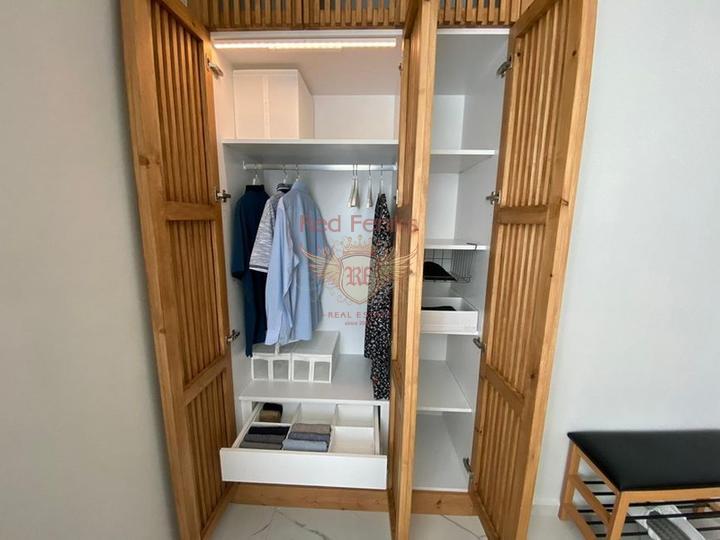 Квартира с 3 спальнями и садом + общий бассейн + мебель + частный пляж + удобства на территории, Квартира в Кирения Северный Кипр