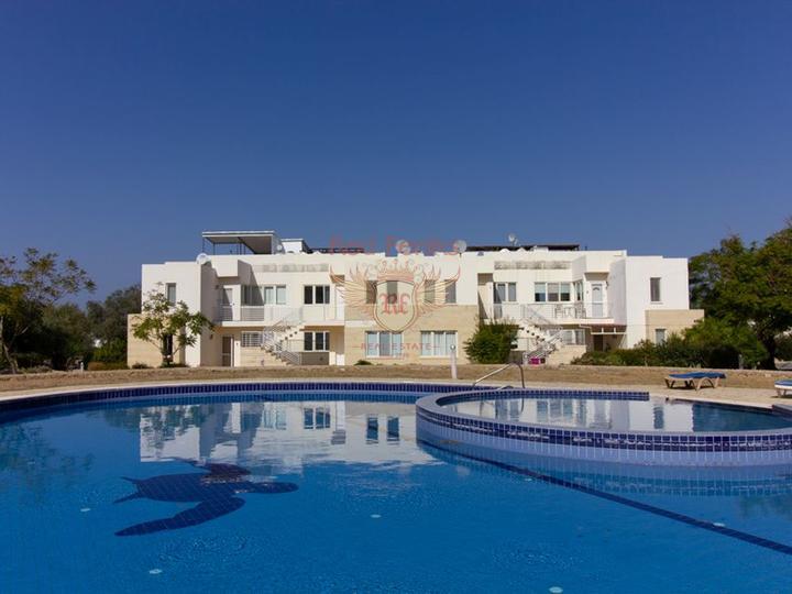 Современная вилла с 4-мя спальнями + 4м х 8м бассейн + система отчистки воды, купить дом в Кирения