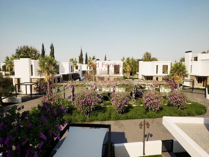 Красивая вилла с 4 спальнями, изогнутым бассейном и прекрасным видом, Дом в Кирения Северный Кипр