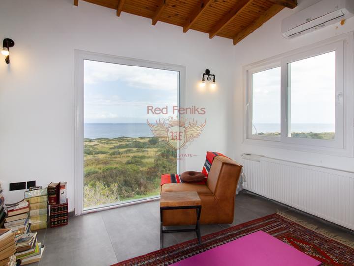 Трехспальная вилла с бассейном, колодцем и прекрасным садом, купить дом в Кирения