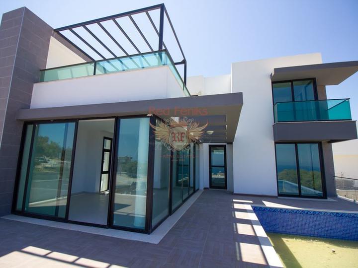 Виллы с 3 спальнями, бассейном и кондиционерами, купить дом в Кирения