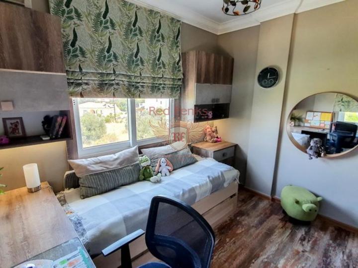 Отреставрированная вилла с 3 спальнями, купить дом в Кирения