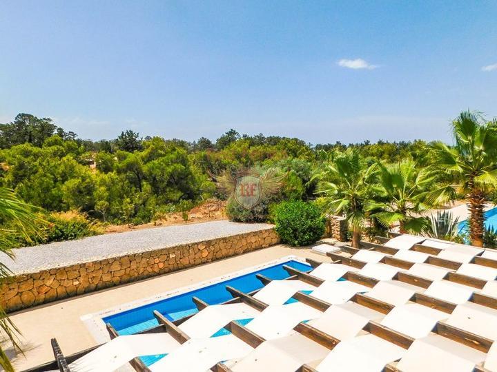 Вилла с 3 спальнями + бассейн 10 х 5 м + кондиционер + кухонная техника + полностью меблирована, Дом в Кирения Северный Кипр