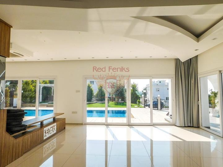 Бунгало с 3 спальнями + бассейн 10м x 5м + центральное отопление, купить виллу в Кирения