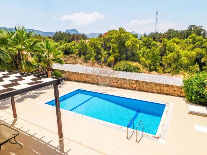 Вилла с 3 спальнями + бассейн 10 х 5 м + кондиционер + кухонная техника + полностью меблирована, Вилла в Кирения Северный Кипр