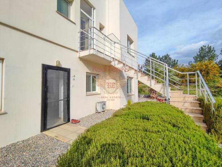 Роскошная вилла с 3 спальнями, полностью меблированная, с кондиционерами, кухонной техникой и видом на море, Вилла в Кирения Северный Кипр