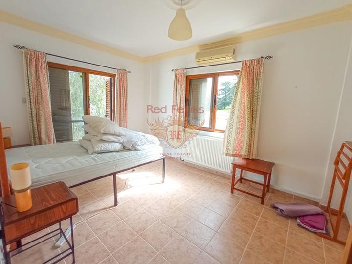 Вилла с 4 спальнями + бассейн + бытовая техника + Титул на имя владельца, купить виллу в Кирения