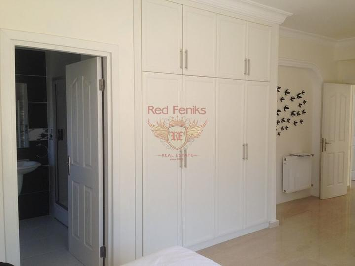 Вилла класса люкс с 4 спальнями + бассейн 12 м x 5 м, Дом в Кирения Северный Кипр