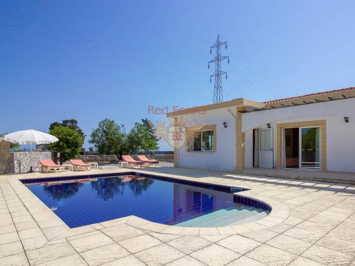 Квартира 1+1, 42m2 на первой линии моря, купить квартиру в Кирения