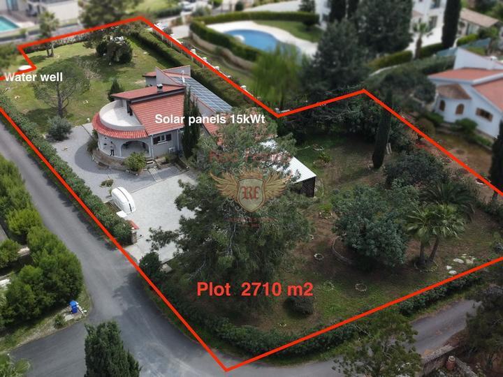 Вилла с 3 спальнями на берегу моря + камин + прямой выход к морю + турецкие титулы, Вилла в Кирения Северный Кипр