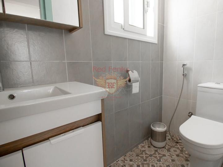 Вилла с 3 спальнями + бассейн 10 м x 5 м + частично меблированная, купить дом в Кирения
