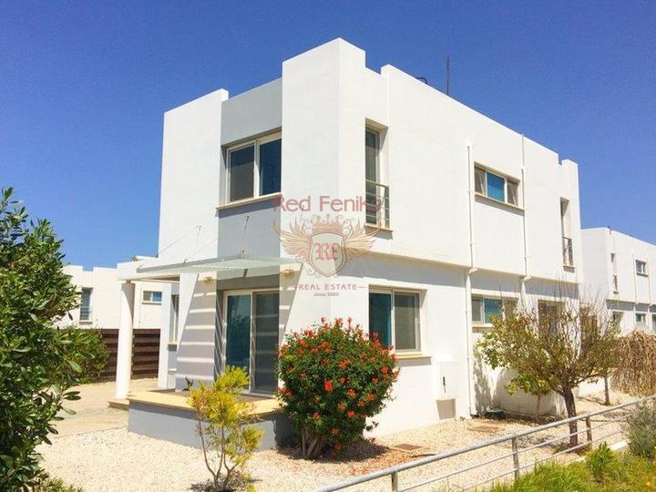 Вилла с 4 спальнями + на берегу моря + бассейн + частный причал, Вилла в Кирения Северный Кипр