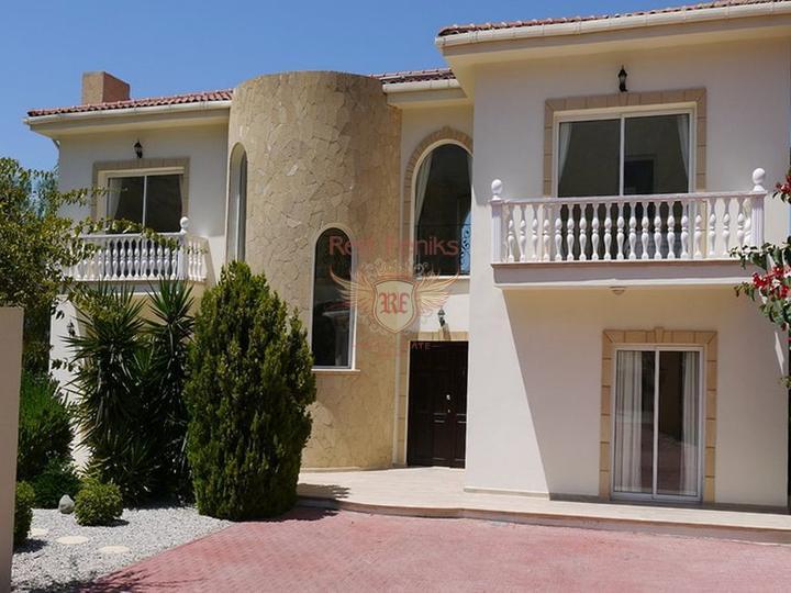 Вилла класса люкс с 4 спальнями + бассейн 12 м x 5 м, купить дом в Кирения