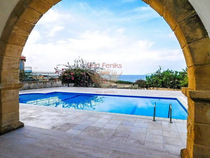 Роскошная вилла с бассейном с доступом к пляжу, Дом в Кирения Северный Кипр