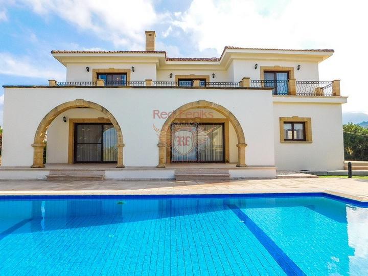 Роскошная вилла с бассейном с доступом к пляжу, купить виллу в Кирения