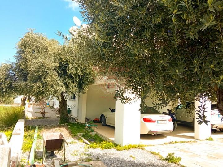 Вилла с 4 спальнями + индивидуальный дизайн + бассейн, Дом в Кирения Северный Кипр
